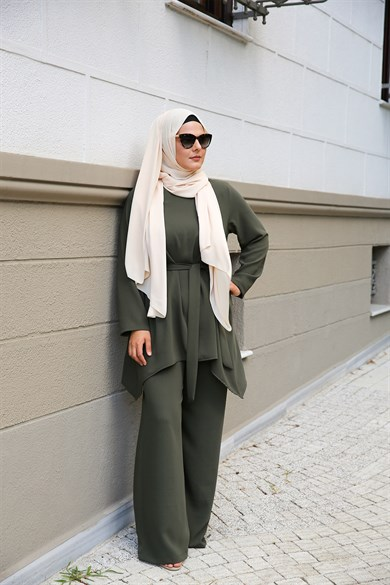 ENSEMBLE MODESTY KAKI